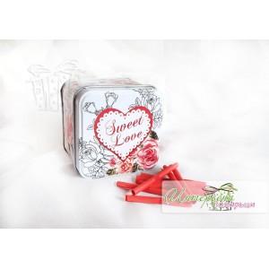 Метална кутийка с късметчета - Сърца и рози
