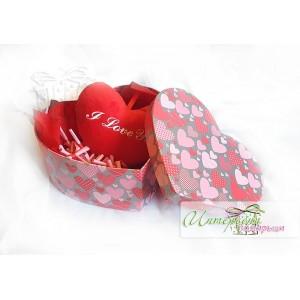 Голяма кутийка сърце с късметчета - Плюшено сърце - Червено