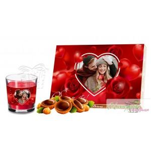 Пакет бонбони и свещ - Сърца и рози